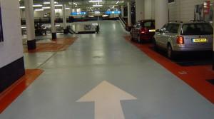 reinigen parkeergarages vloer
